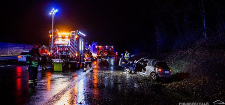 Verkehrsunfall auf der Autobahn, PKW-Brand in Dröschede und sehr hohes Einsatzaufkommen im Rettungsdienst