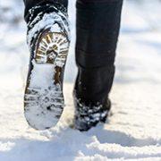 Warum knirscht Schnee unter unseren Füßen?