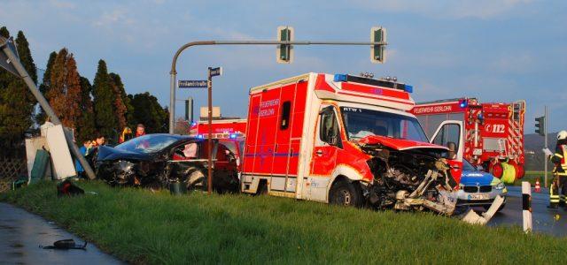 Schwerer Verkehrsunfall auf der Einsatzfahrt