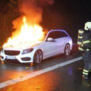 PKW brannte auf der Autobahn