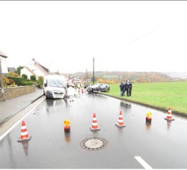 Verkehrsunfall mit drei schwer Verletzten