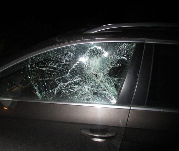 Menden: Reihenweise Autoscheiben zerdeppert