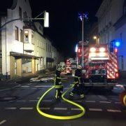 Wieder am Kurt-Schumacher.-Ring: Kellerbrand nach 90 Minuten mit 25 Einsatzkräften unter Kontrolle