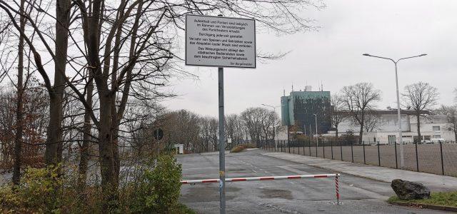 Sperrung des Parkplatzes Alexanderhöhe