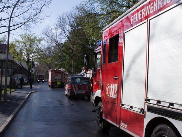Geruchswolke hält die Feuerwehr mit mehreren Einsatzstellen im Stadtgebiet auf Trab