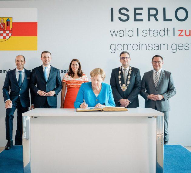 Bundeskanzlerin Dr. Angela Merkel in Iserlohn – Eintrag ins Goldene Buch der Stadt Iserlohn