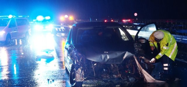Schwerer Verkehrsunfall auf der Autobahn A46